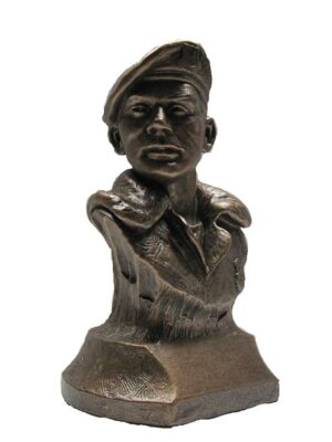 Terrance-Patterson-Gallery-Bust-Statue-P247.5-Small-Peacekeeper