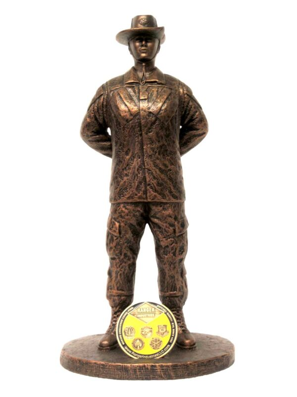 terrance-patterson-military-figures-sculptures-P351-female-drill-instructor-statue-02