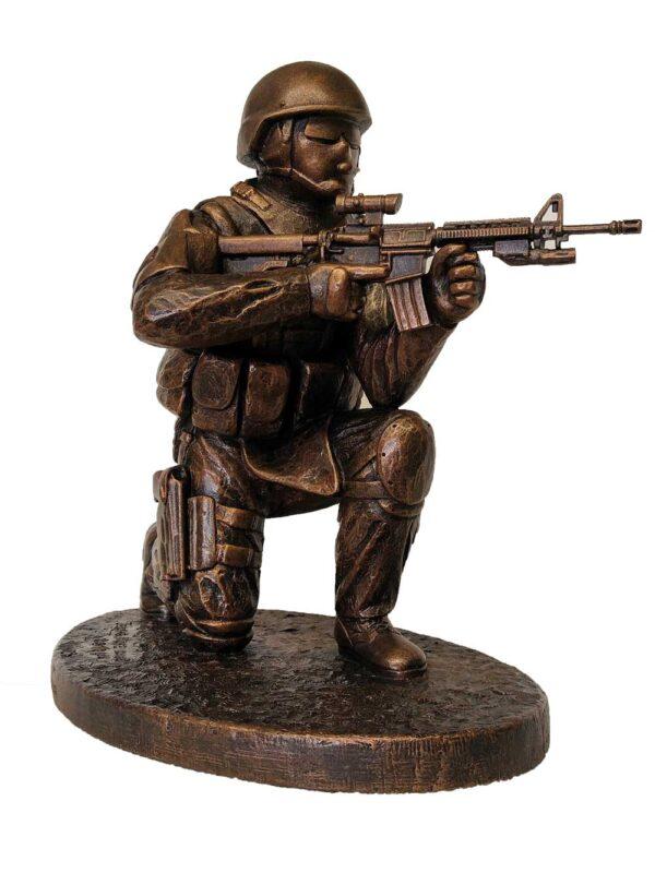 terrance-patterson-military-figures-sculptures-P353-courage-under-fire-civilian-tactical-operator-statue