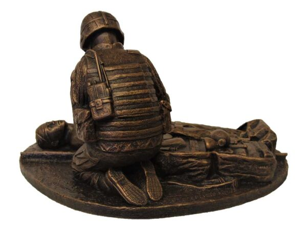 terrance-patterson-military-figures-sculptures-P356-small-male-medic-statue-02