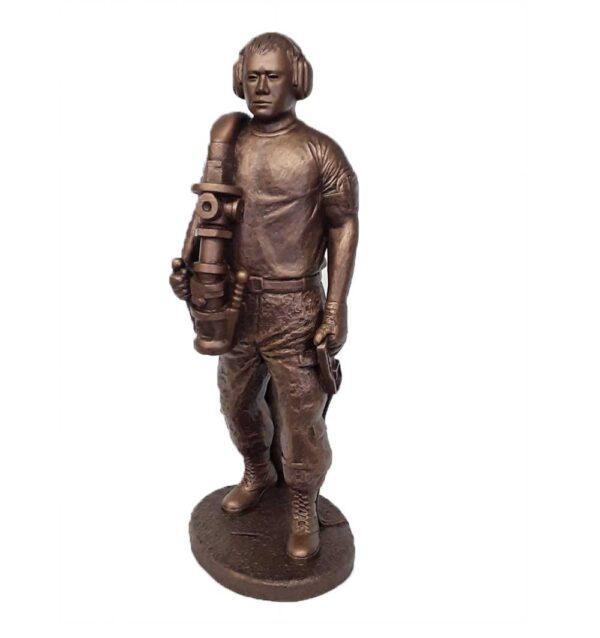 terrance-patterson-military-figures-sculptures-P358-fueler-01-statue
